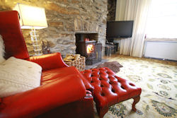 The living room of this lovely cottage in Keith near the Strathisla Distillery