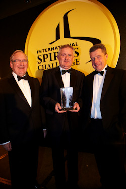Desmond Payne, Master Distiller, David Boyd, Inventory and Spirit Quality Manager, Sandy Hyslop, Master Blender