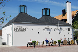Hvan Backafallsbyn Whisky Distillery