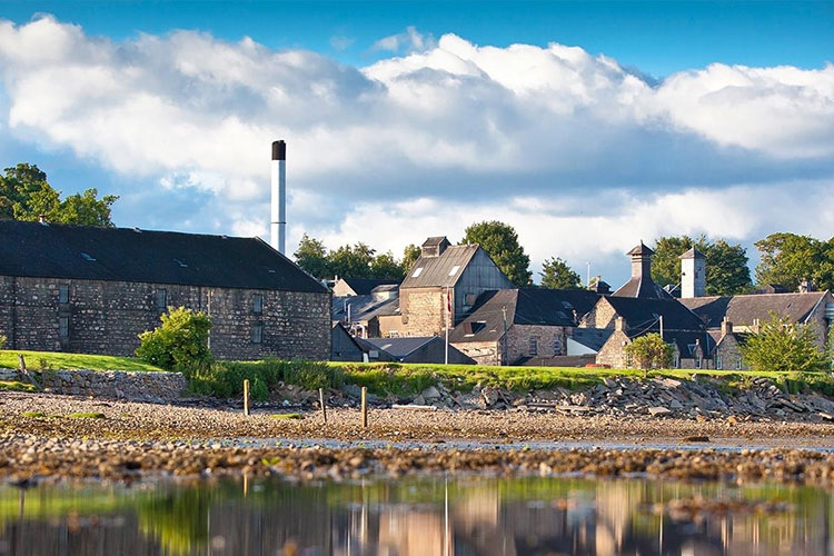 The Dalmore Whisky Distillery