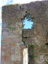 Kennetpans distillery - The ruin at Kennetpans